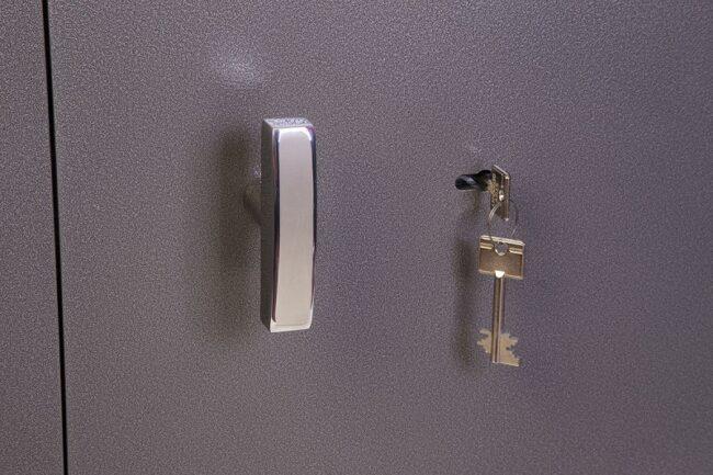 Detalle cerradura de llave