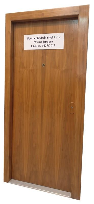 Puerta blindada Ferrimax FPB-70L Clase 5 EN 1627/28:2011, forrado madera