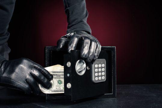 guardar-dinero-en-cajas-de-seguridad