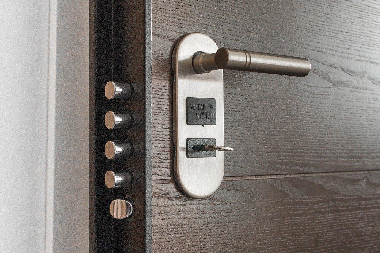 Tipos de llaves de puertas blindadas: las más seguras